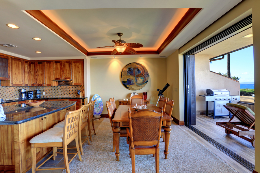 Dining room opens to deck