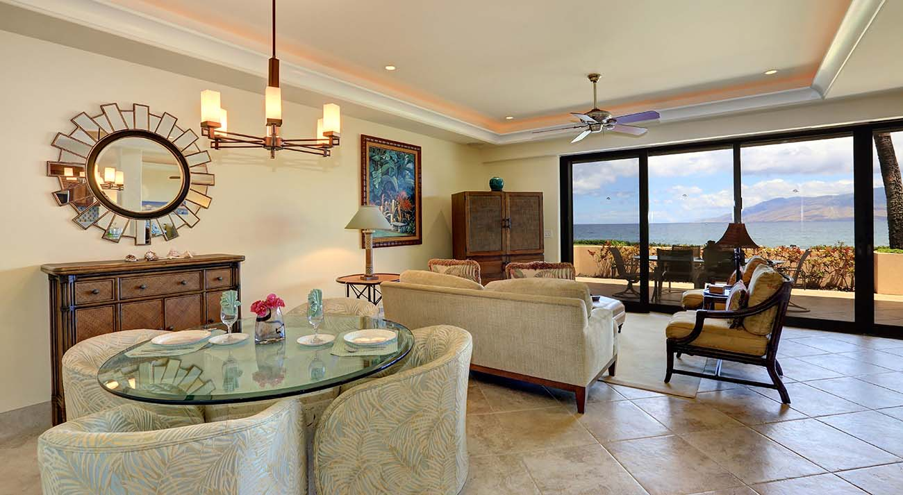 Dining and living areas, oceanview