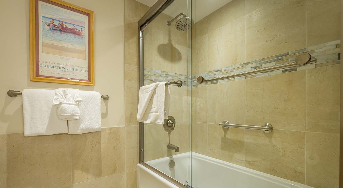 Shower tub combo stall
