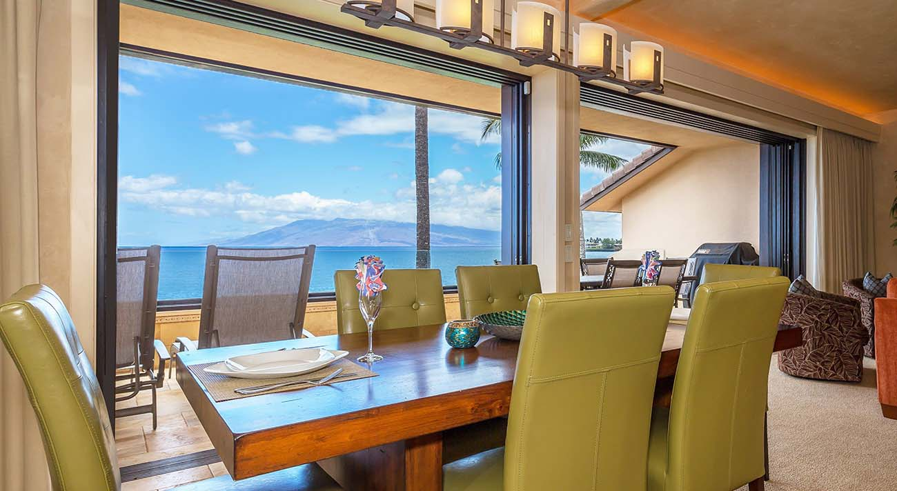 Dining room oceanview