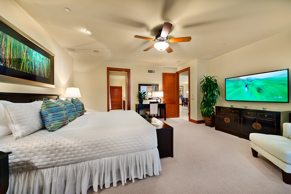 Master bedroom, large flat screen TV